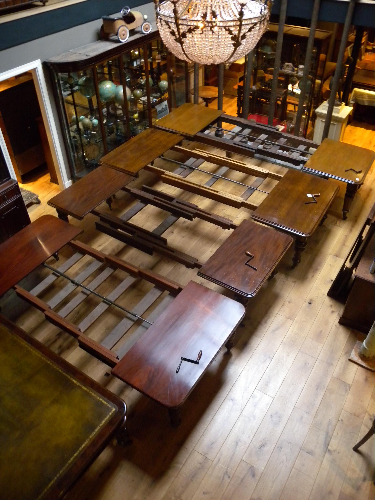 Geschiedenis van de antieke tafels - Formele meubilair ...